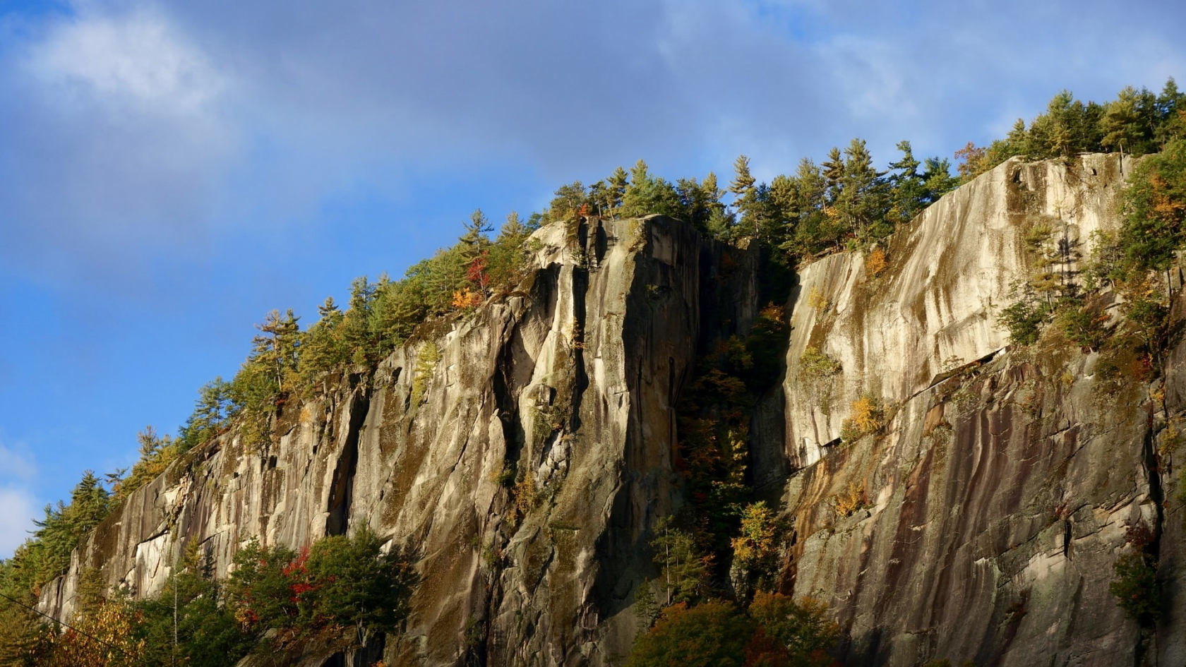 Rock climb Cathedral Ledge